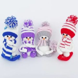 Вязаные снеговички амигуруми крючком