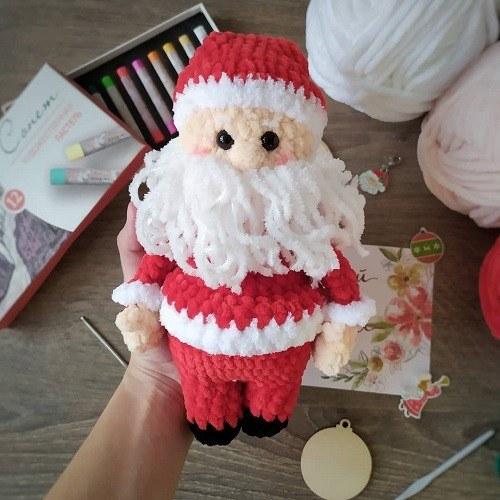 Вязаный Санта Клаус крючком