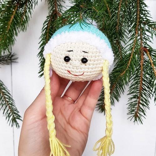 Вязаная Снегурочка игрушка крючком