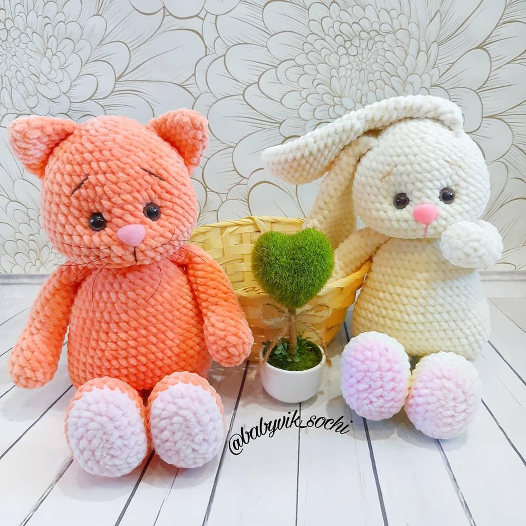 Вязаные игрушки котик и зайка крючком