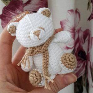 Маленький мишка амигуруми